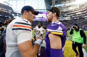 bears-vikings-football-mitchell-trubisky-adam-thielen_pg_600