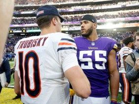 bears-vikings-football-mitchell-trubisky-anthony-barr_pg_600